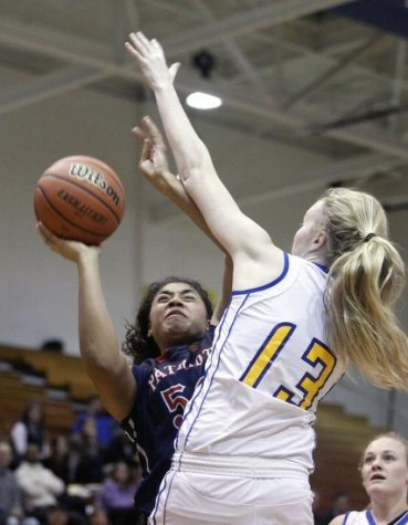 Girls Basketball Team Perseveres Through Tough Season