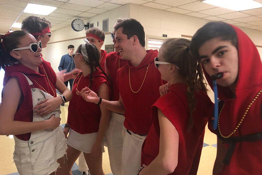 Seniors prepare to sing